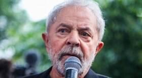 Lula pede indenização a Regina Duarte por danos morais