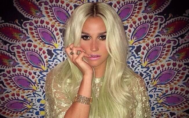 Kesha afirma que carreira pode acabar caso perca processo contra Dr. Dre