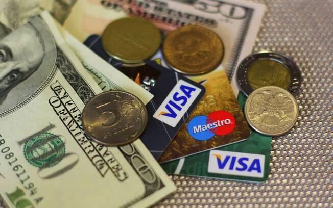 dólar e cartão de crédito