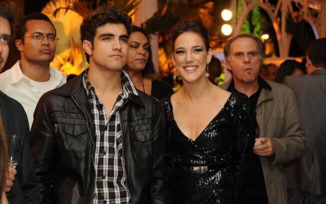 Caio Castro e Adriana Birolli interpretam o casal Antenor e Patrícia na novela Fina Estampa