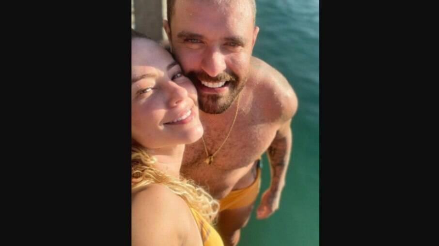 Paolla Oliveira compartilha primeira foto com Diogo Nogueira