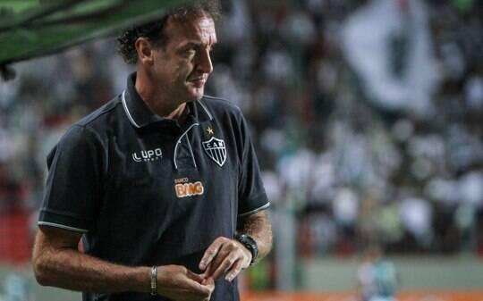 Cuca vê Atlético-MG oscilante contra o Vitória e aprova volta de Ronaldinho - Futebol - iG