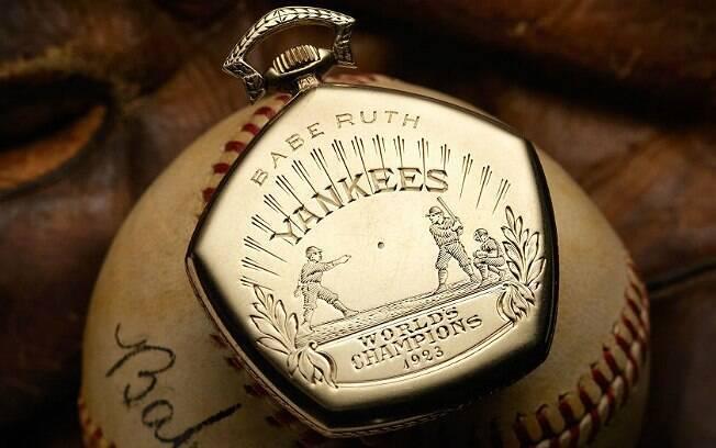 Relógio dado a Babe Ruth pelo título de 1923 está sendo leiloado. Casa espera chegar a US$ 750 mil