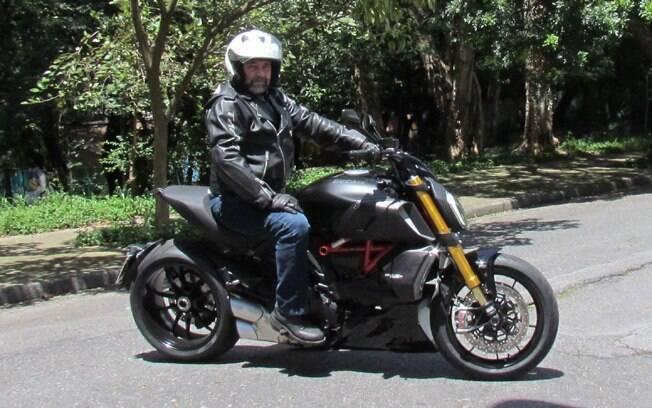 A dirigibilidade melhorou muito na Ducati Diavel 1260S 2020