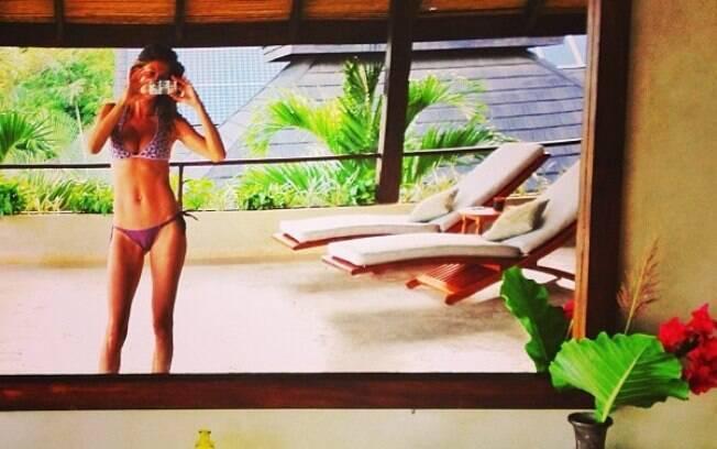 Na semana passada, Gisele Bündchen divulgou outra foto sensual em que aparece posando em frente ao espelho