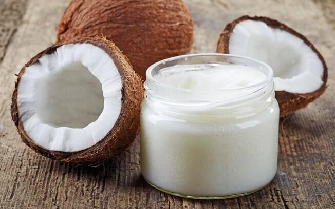 O óleo de coco já teve seus efeitos maléficos apontados por instituições de saúde dos Estados Unidos