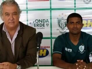Henrique Santos já treina no América desde abril e reforça o time neste sábado