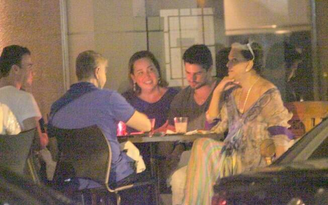 Miguel Falabella, Claudia Jimenez e amigos no Sushi Leblon
