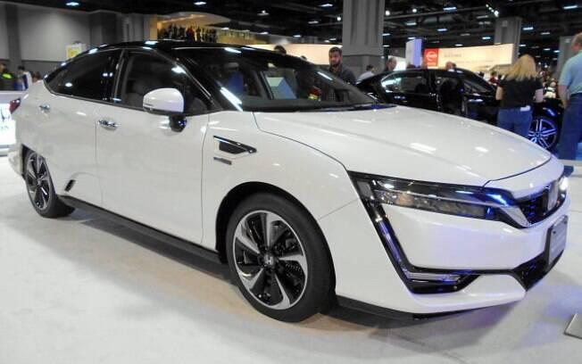 Honda Clarity Fuel Cell está sendo exposto em São Paulo apenas para demostração de tecnologia da Honda