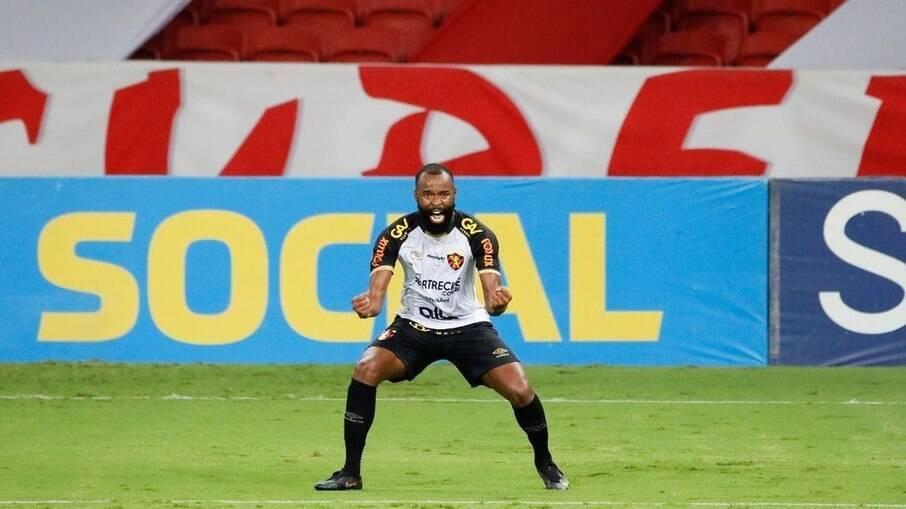 Marcão está perto de completar 50 jogos com a camisa do Sport