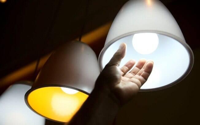 Na semana passada, a Aneel anunciou um reajuste nos valores das bandeiras tarifárias aplicadas às contas de luz