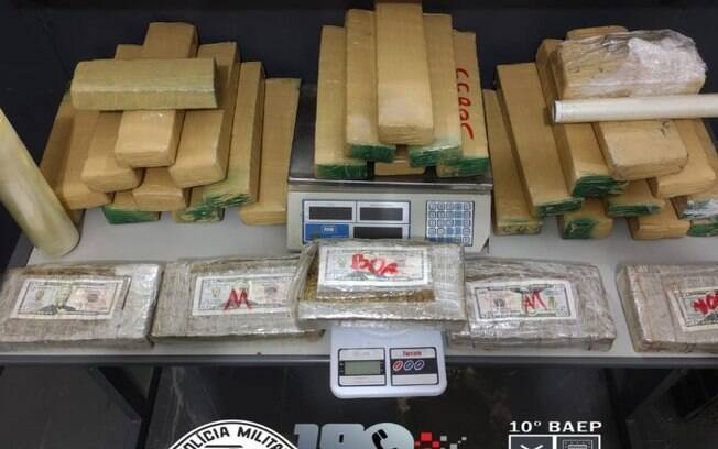 Baep prende casal por tráfico de drogas com 31 kg de maconha em Hortolândia