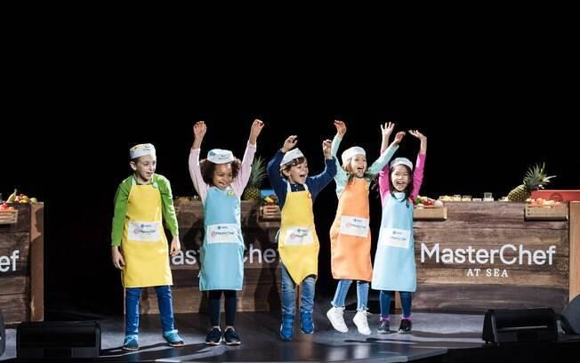 Em alguns navios da MSC Cruzeiros, crianças e adultos podem viver a experiência de participar do MasterChef