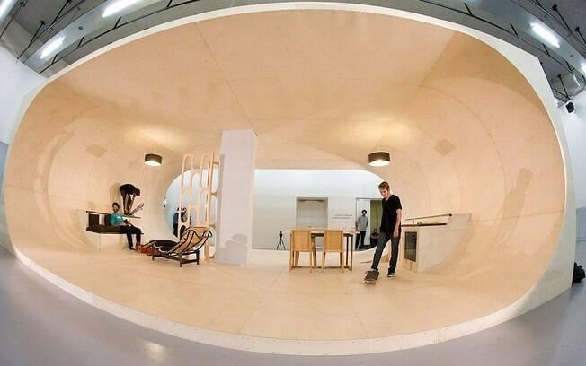 Em comemoração ao aniversário da marca de skate Etnies, foi feito um protótipo em escala real da casa