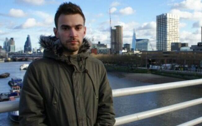 Blogueiro britânico Jonny Benjamin comenta relação de amizade que desenvolveu com homem que o salvou do suicídio