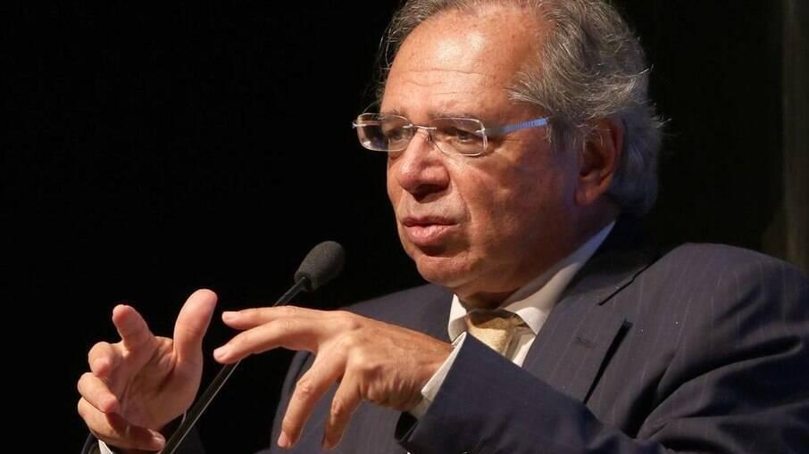 Guedes acredita que Orçamento deve ser sancionado por Bolsonaro ainda neste mês