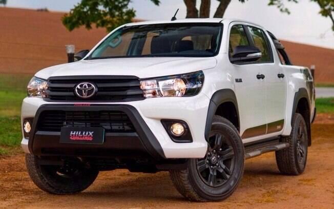 Toyota Hilux Challenge: série especial com detalhes exclusivos, como as rodas pintadas de preto e os faróis escurecidos
