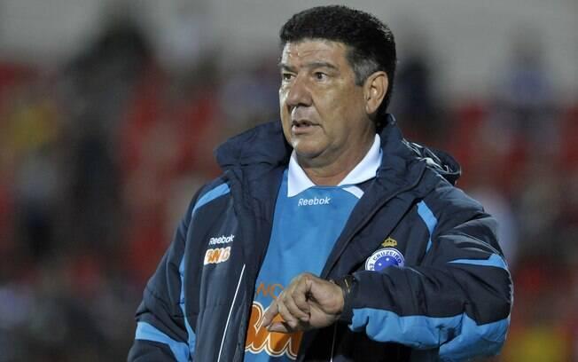 Em julho de 2011, Joel Santana comandou o  Cruzeiro