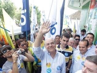 Pimenta da Veiga faz campanha em Esmeraldas, em 29/7/2014