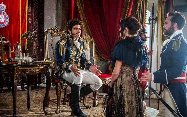 Assim que vê Leopoldina chegar ao Paço, Dom Pedro ordena que Domitila vá embora, em 'Novo Mundo'