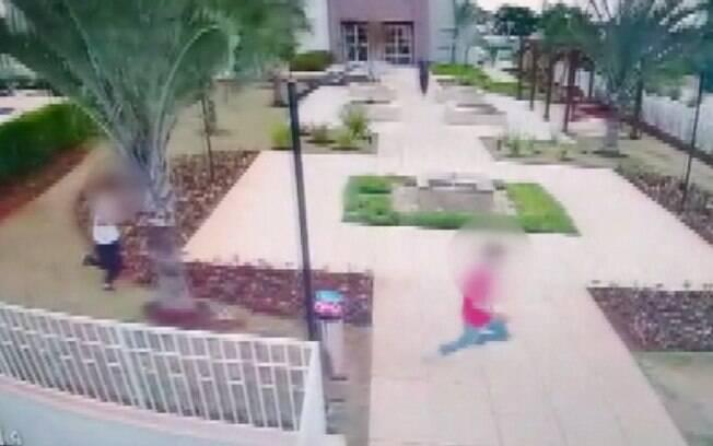 Adolescentes são detidos após furto em apartamento no Parque Prado