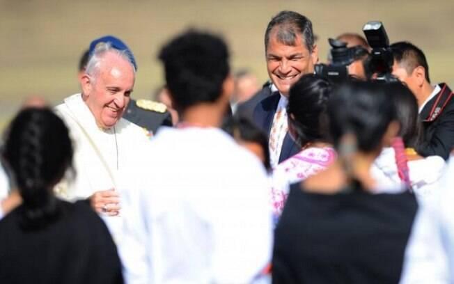 O papa em sua chegada: viagem com objetivo de focar nas