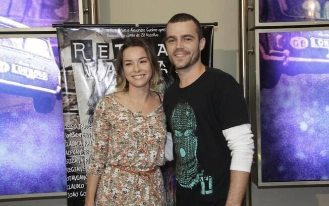 Regiane Alves está grávida de três meses do namorado, João Gomez