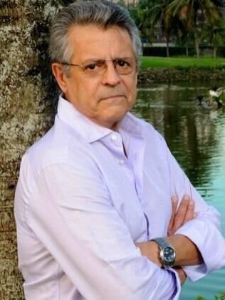 Marcos Paulo fez operação neste domingo (13) para retirada de um tumor no esôfago