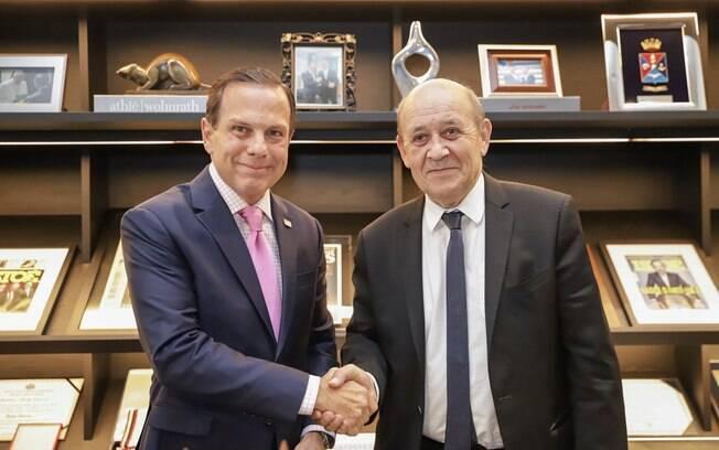Ministro francês ignorado por Bolsonaro afaga Doria ao encerrar visita ao Brasil