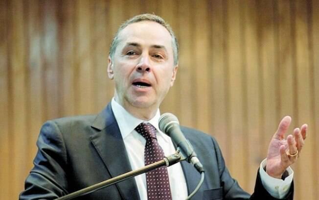 Barroso afirma que os acusados devem ser defendidos por seus advogados