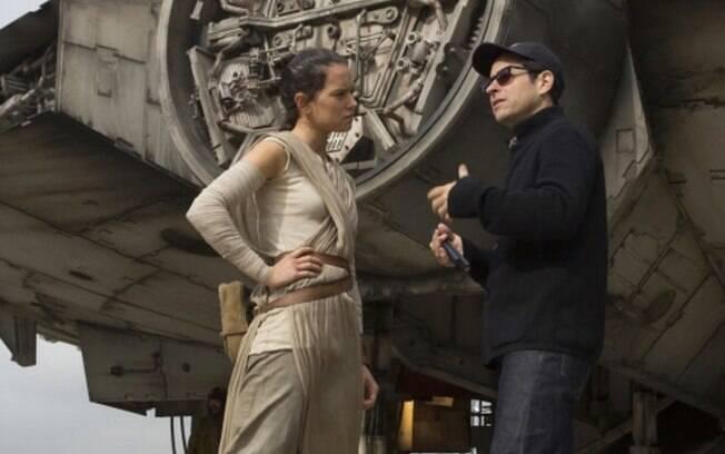 J.J. Abrams volta para a franquia no episódio IX com a missão de