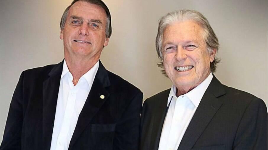 Bolsonaro ao lado de Luciano Bivar, presidente nacional do PSL