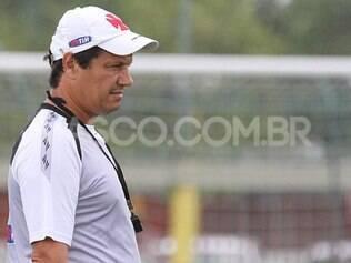 Adilson Batista prepara sua equipe para duelo com o Fluminense, no próximo fim de semana