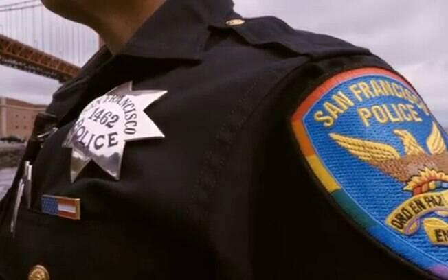 Polícia de São Francisco, nos EUA, celebra o mês do Orgulho LGBT com uniformes nas cores do arco-íris