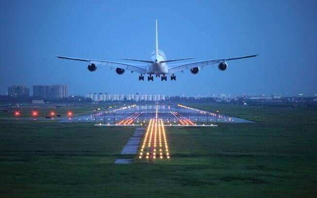 A hora do pouso está entre os segredos que os pilotos de avião não contam; descubra qual é