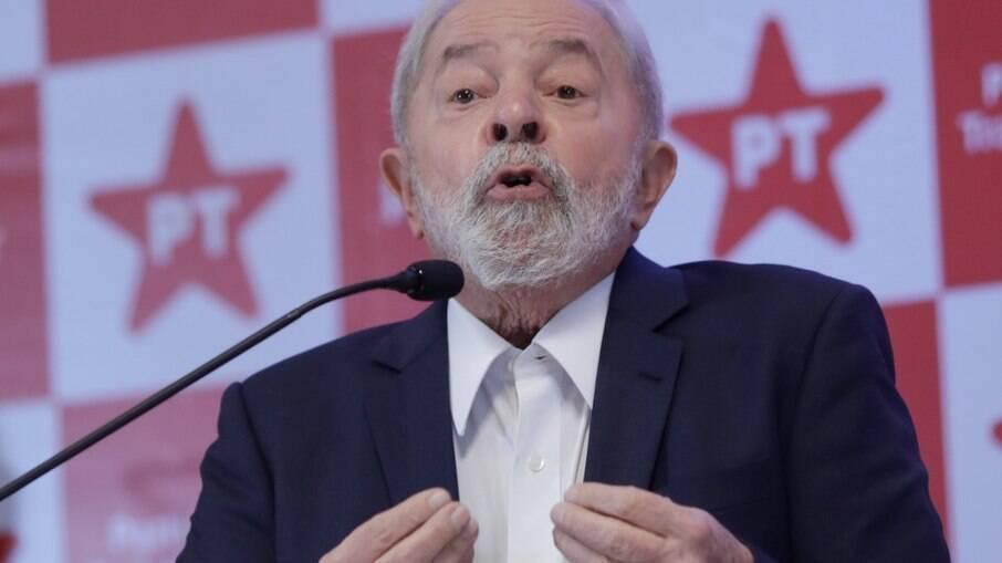 Governo responsável 'não precisa de teto de gastos', alfineta Lula