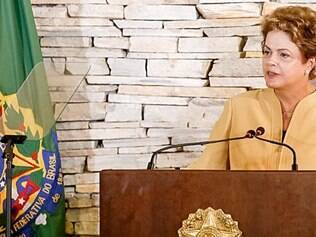 Artigo. Financial Times cobra de Dilma explicação sobre o que ela sabia sobre a corrupção na Petrobras