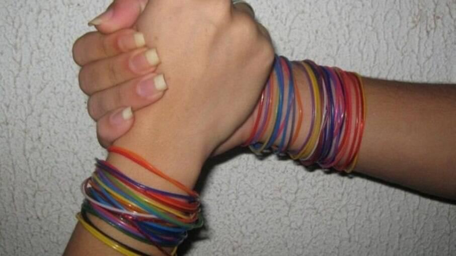 As pulseiras inicialmente eram da amizade
