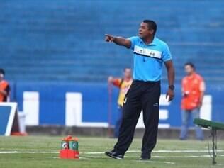 Revelado nas categorias de base do Grêmio, Roger atuou pelo Tricolor por quase uma década