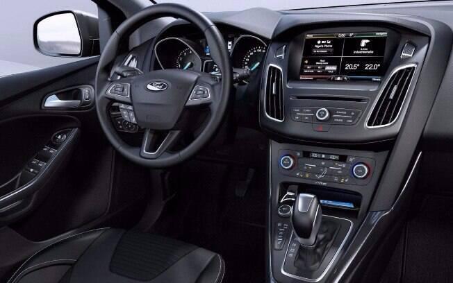 Ford Focus SE Plus vem com multimídia Sync 3 com tela sensível ao toque e compatível com Android Auto e Apple Car Play