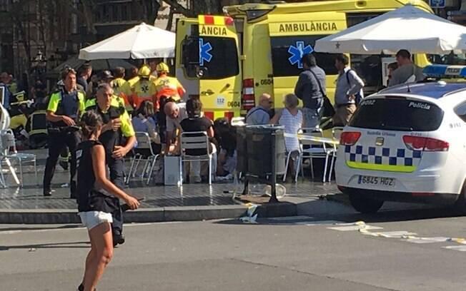 Polícia de Barcelona confirmou que o caso de atropelamento em Las Ramblas se trata de um atentado terrorista