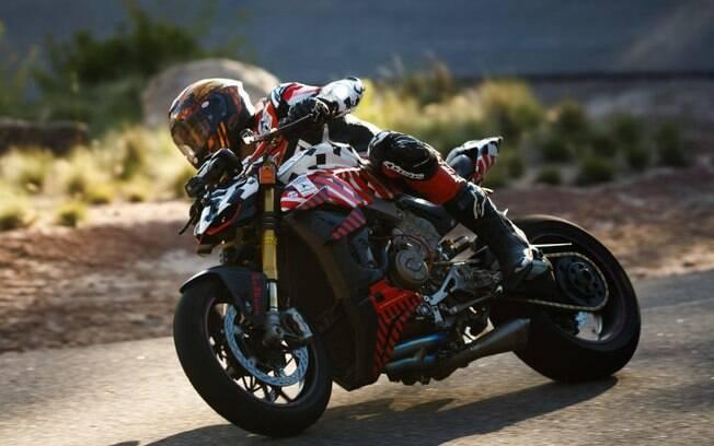 Carlin Dune pilota Ducati em Pikes Peak, antes de sofrer o acidente fatal na tradicional e perigosa prova