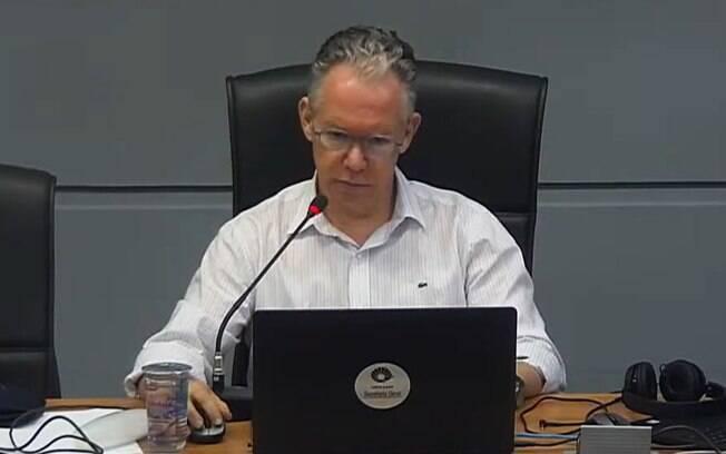 Marcelo Knobel, reitor da Unicamp, durante reunião do Conselho.