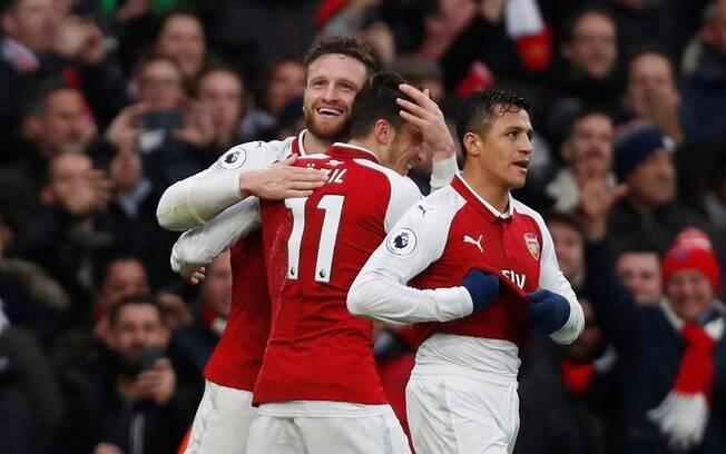 O Arsenal bateu o Tottenham por 2 a 0 no Emirates Stadium