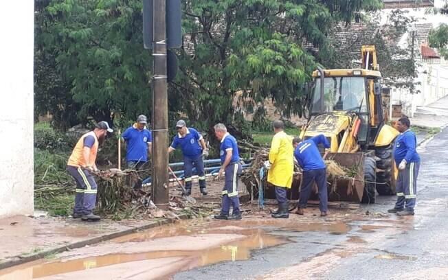 Cidade de Botucatu segue se recuperando após forte temporal da segunda-feira