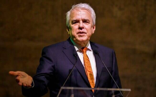O novo valor do diesel, segundo Roberto Castello Branco, corresponde a uma variação mínima de 4,8% e máxima de 5,1%