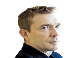 David Mitchell diz que é um romancista de vilarejo e que tem aversão às pessoas que vão atrás dele