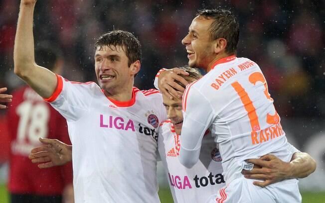A vitória por 2 a 0 sobre o Freiburg na 14ª  rodada fez o Bayern abrir dez pontos de vantagem  na liderança e garantir com antecedência o título  de 'campeão de inverno'