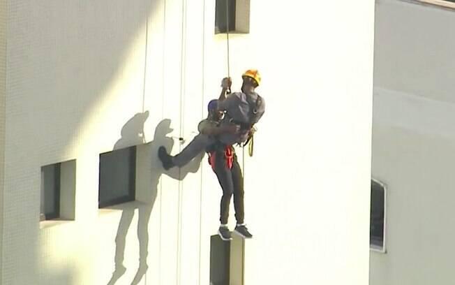 O homem é suspeito de ter assaltado o edifício, localizado em Perdizes, Zona Oeste de São Paulo