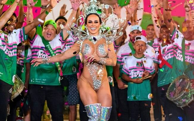 Renata Spallici é a rainha de bateria da Barroca Zona Sul
